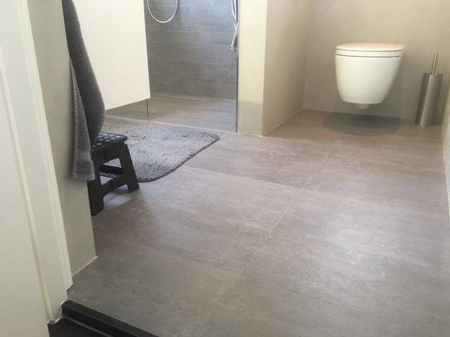 Betonnen Tegels Badkamer : A beton cire tegel badkamer ⋆ wiesenekker badkamerconcepten