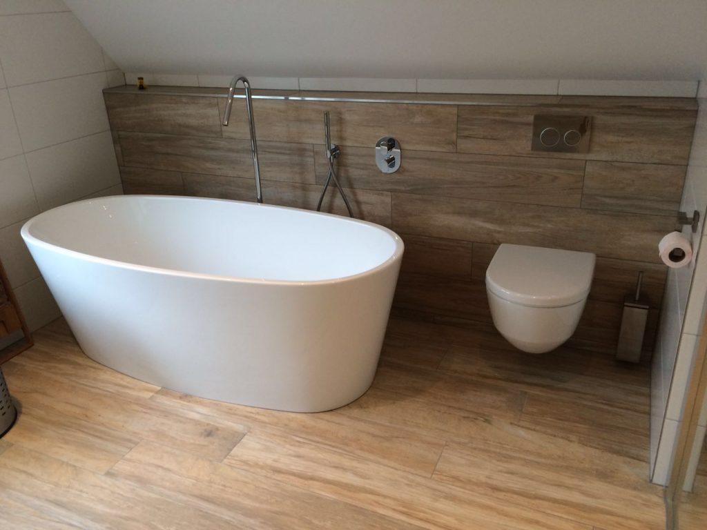 Badkamer wooden tiles - Wiesenekker Badkamerconcepten