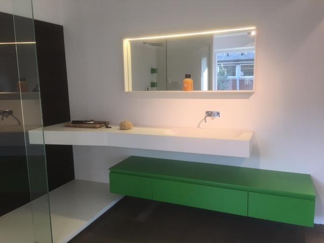Solid surface maatwerk badkamer montage Veenendaal - Wiesenekker ...