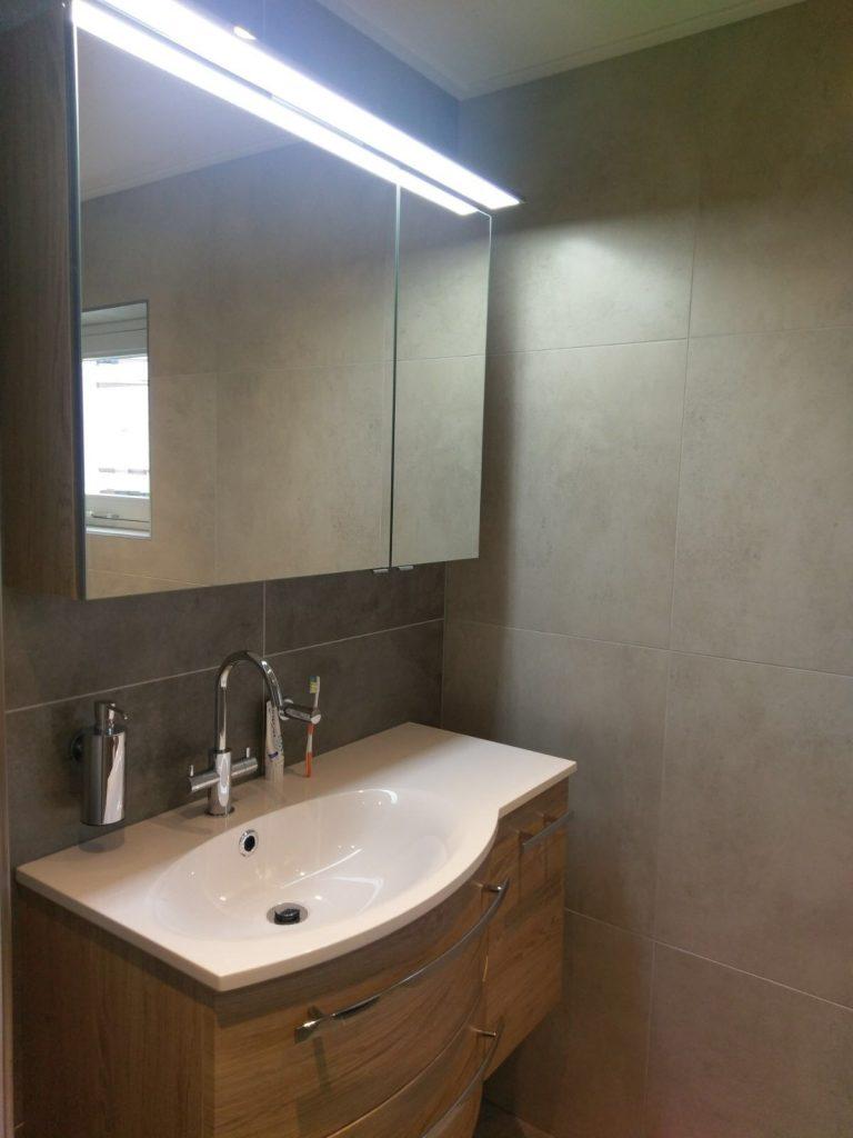 Compacte ruimtelijke badkamer in Veenendaal - Wiesenekker ...