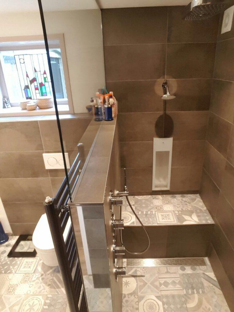 Sfeer badkamer met Sunshower & douche-wc in Buren - Wiesenekker ...