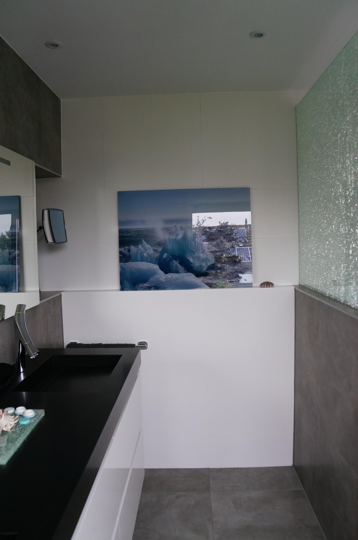 #3B4B6023537780 Crushed Glass Badkamer Wiesenekker Badkamerconcepten Van de bovenste plank Design Handdoekradiator Badkamer 1153 beeld 326449121153 Inspiratie
